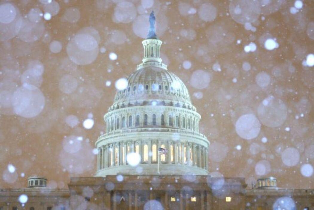 Un poderoso frente de mal tiempo golpea a millones de personas en 22 est...