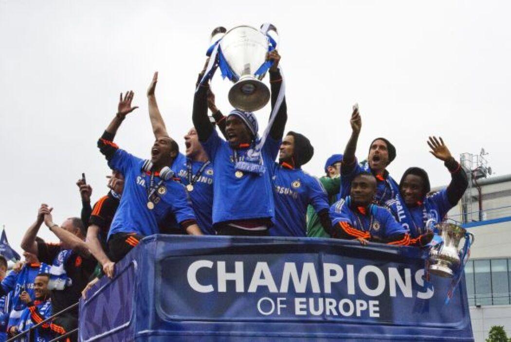 Nos unimos a la celebración del Chelsea felicitando al nuevo campeón de...