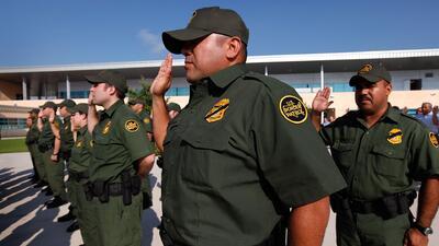 Investigación de patrulla fronteriza es cuestionada por exonerar a todos...