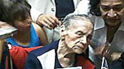 Mujer de 106 a?os es la mujer mas anciana en convertirse en Ciudadana en...