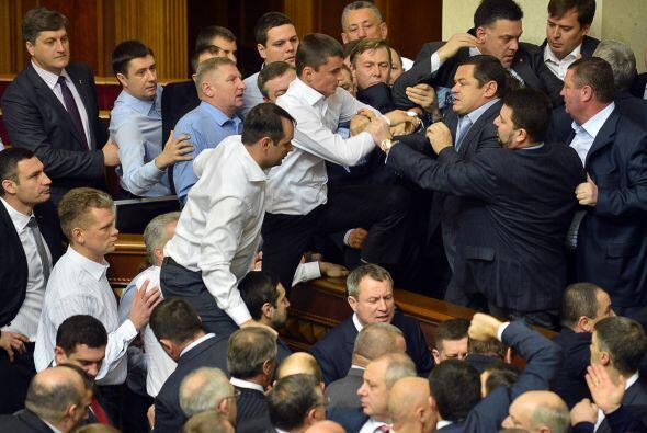 El Partido de las Regiones, que ganó las elecciones parlamentaria...