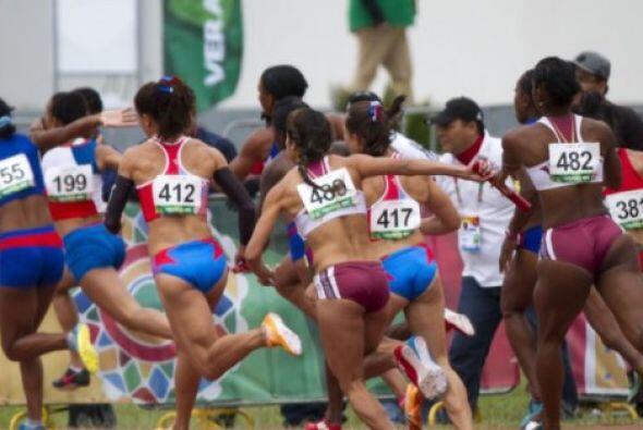 El equipo femenil de Venezuela conquistó la medalla de oro en los relevo...