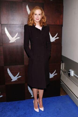 Para un estilo más clásico como el de Nicole Kidman, los colores neutros...