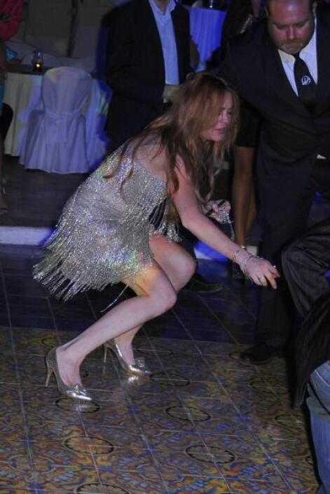 La estrella de cine se cayó en plena pista de baile.Mira aquí lo último...
