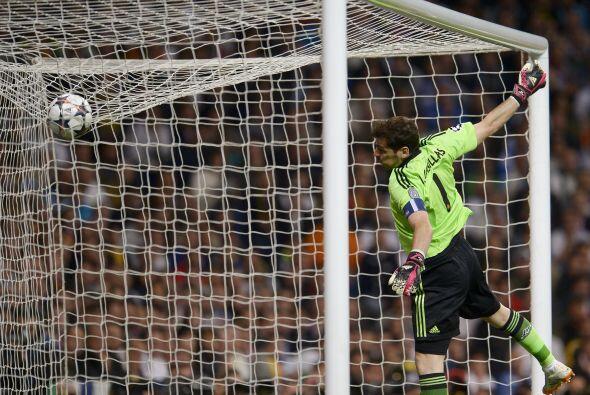 Casillas sigue poniendo en evidencia lo extraño del arreglo que lo tiene...