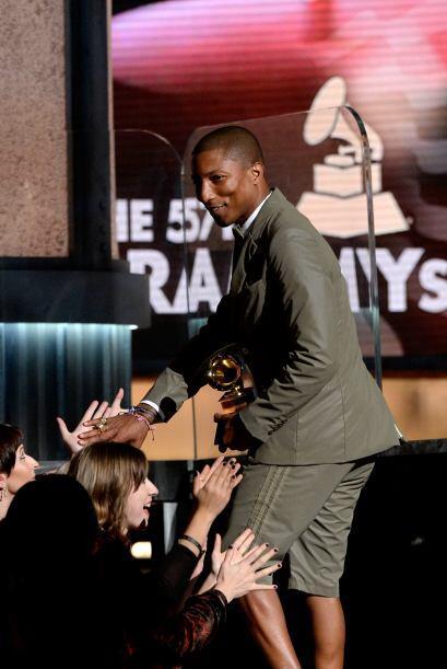 Pharrell Williams subió a recoger su premio y no paraba de sonreír. Uno...