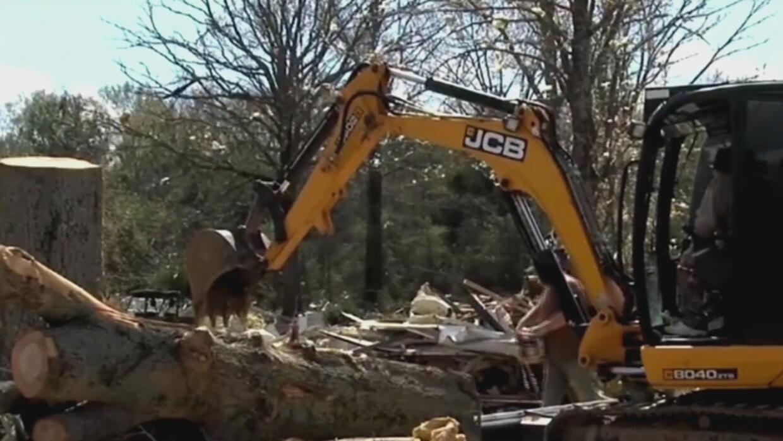 Los fuertes vientos demolieron cuatro casas rodantes en Arkansas y una i...