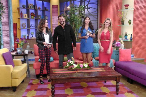 Karla, Ximena y Karla no perdieron oportunidad de cuaestionar al cantante.
