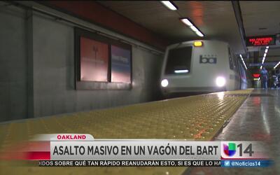 Jóvenes irrumpen en vagón del BART para robar a pasajeros
