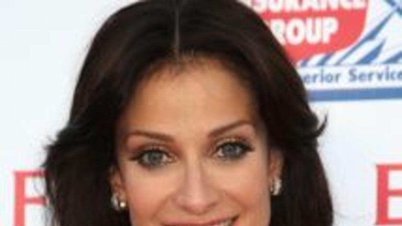 Actriz, cantante, modelo y ex Miss Universo, Dayanara Torres parecía ten...