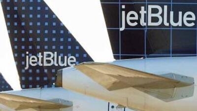 La compañía aérea de bajo coste JetBlue anunció hoy que enlazará, sin es...