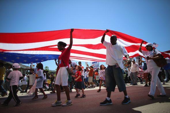 Un nutrido grupo de manifestantes llegado desde Conroe, en Texas, core&o...