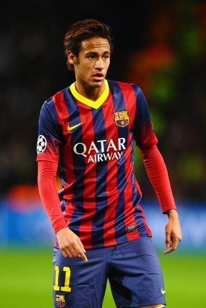 Neymar (6): Martino lo volvió a poner en la derecha, donde fue in...