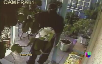 Alerta por entregas falsas de flores para robar casas