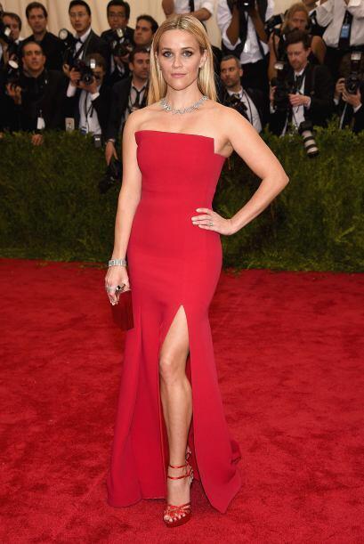 Sencillo y sofisticado, así fue el 'look' de Reese Whiterspoon.