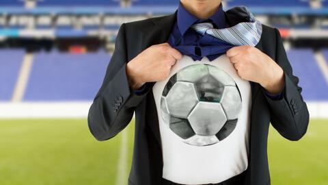 La pasión por el fútbol sería equivalente a lo que sienten los enamorado...
