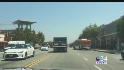 Graban a camión de carga fuera de control en San Gabriel