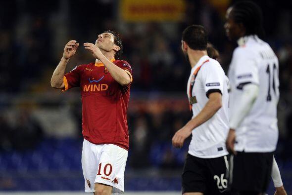 Pero la puntería no los acompañaba, incluído el capitán Totti.
