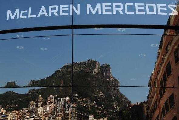 La McLaren-Mercedes montó una exhibición especial para la edición del 2011.