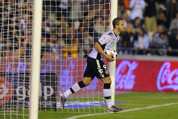 Soldado recortó distancias al anotar un penalti.
