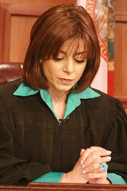 La jueza Cristina Pereyra escuchaba atenta las declaraciones para tomar...