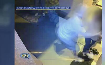 Aterradoras imágenes de mujer atacada frente a la puerta de su casa en C...