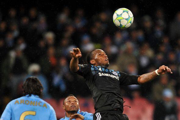 Didier Drigba fue de los jugadores que más coraje mostraron por el bando...