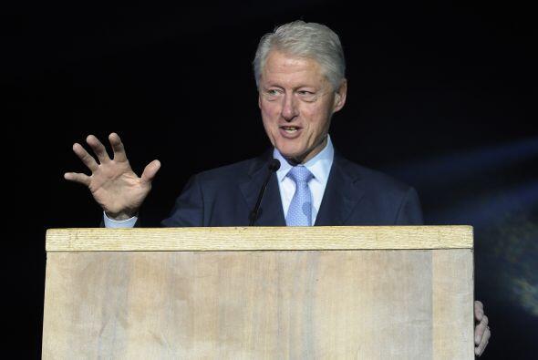 """10. BILL CLINTON  Frase de superación: """"No podemos construir nuestro pro..."""