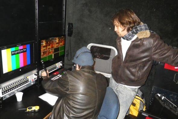 La producción siempre está atenta a lo que sucede en el show.