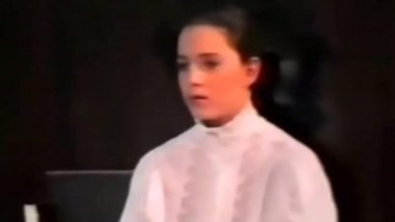 Kate Middleton a los 11 años durante una obra teatral de la escuela. (Fo...
