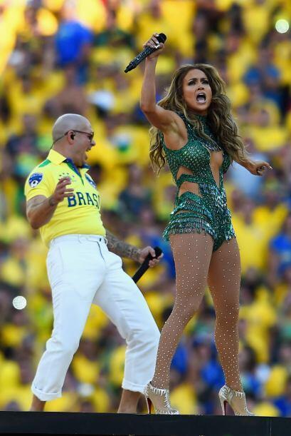 Jennifer invitó a todos a cantar y bailar.Todo sobre el Mundial de Brasi...
