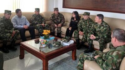 Las FARC liberan al general Rubén Darío Alzate