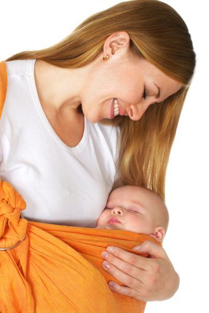 Laura menciona que en esencia, las madres que llevan a su bebé co...