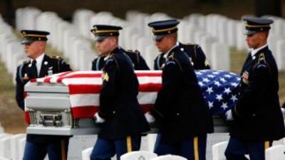 Los suicidios entre soldados de Estados Unidos aumentaron 80% después de...