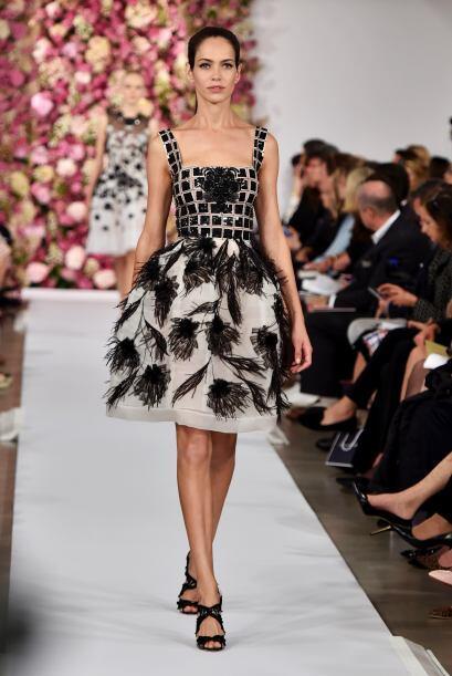 Detalles y bordados en los vestidos se convirtieron en puntos focales.