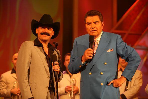 ¿Creen que al Don le vendría bien un bigote como el del Chapo?