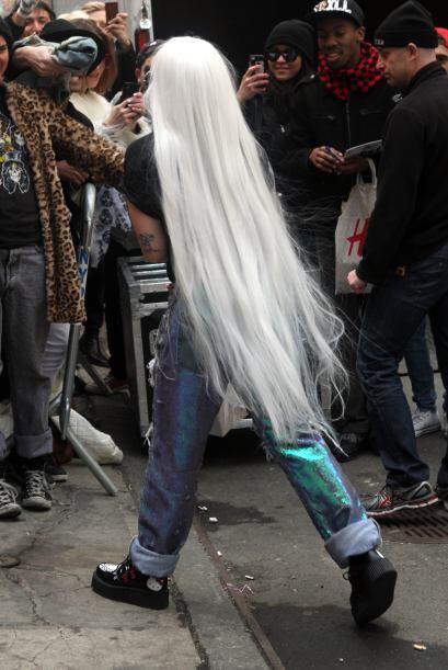 ¡A Gaga le urge ser anciana! Lo decimos pues seguido la vemos mode...