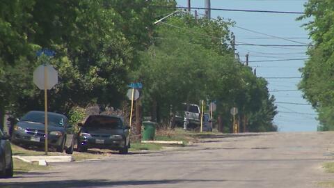 Residentes del oeste de San Antonio denuncian abandono de su vecindario