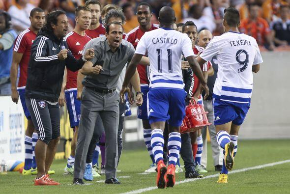 5) ESPÍRITU LATINO: Con entrenador colombiano y sus principales figuras...