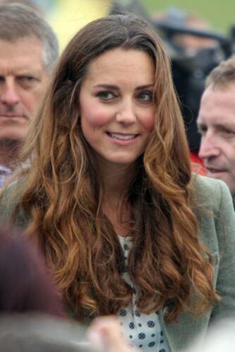 Así apareció Kate en un acto oficial junto al príncipe William.  Aquí lo...