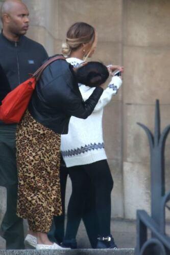 La famosa de 32 años sacó mil fotos, como cualquier otro turista. Más vi...