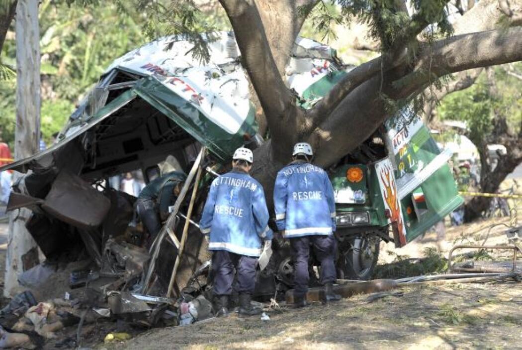 El múltiple accidente donde cuatro autobuses se estrellaron contra un ca...