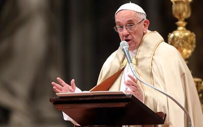 El Papa hace del aborto un pecado perdonable