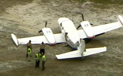 Investigan incidente de una avioneta que se salió de la pista en el aero...