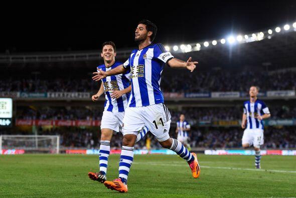 El mexicano Carlos Vela, quien entró de cambio, colocó el cuarto gol, la...