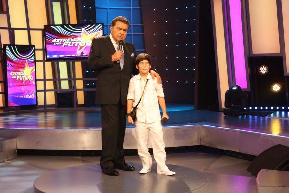 Sin duda este niño cantante no olvidará jamás su primera semana en Estre...