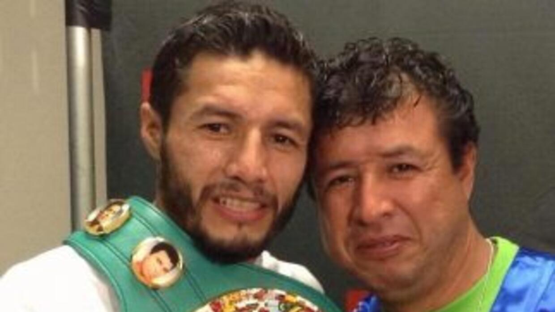Jhonny junto a su hermano Miguel Ángel (Foto: twitter)