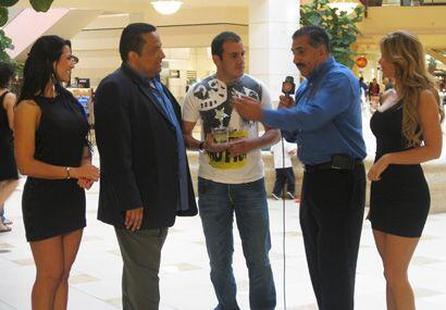 El Alcalde, de Locura Deportiva, llegó a compartir con el Mero Me...