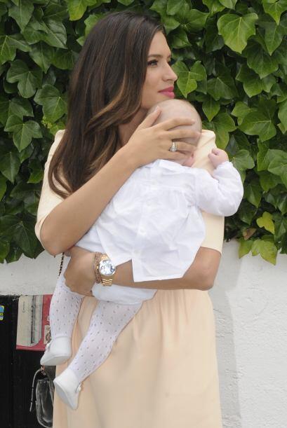 Notamos que Sara es súper cariñosa con su nene. Mira aqu&i...