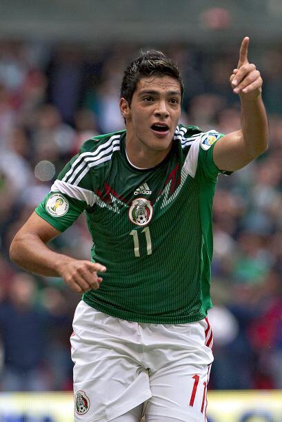Raúl Jiménez  El joven delantero azulcrema también...